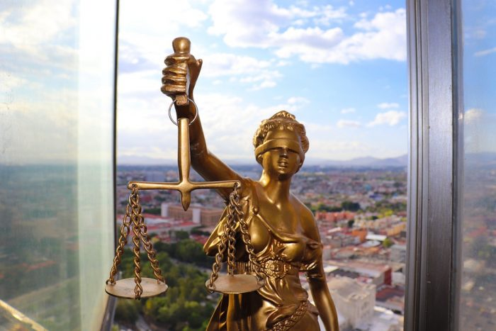 Employment Lawyers: How Do You Choose One?